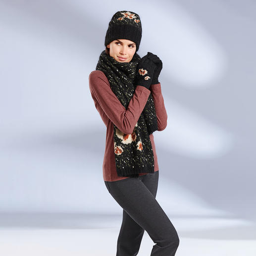 TWINSET Knitted Floral Scarf, Hat or Gloves - 100% TWINSET. 100% high fashion: Three-piece set of chunky knit accessories with stylish floral pattern.