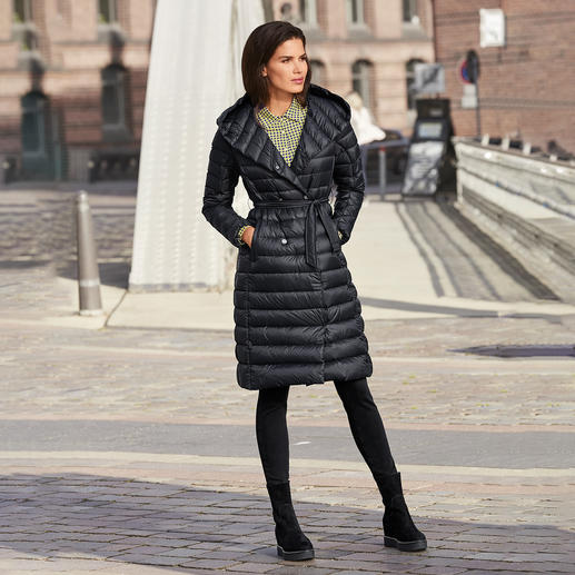Pajar® Down Coat On-trend down in a slimline style: The feminine lightweight down coat from Canadian premium label Pajar®.