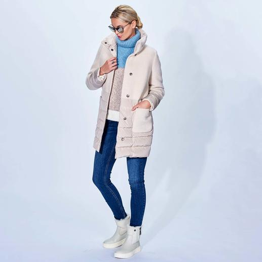 Seventy Lightweight Down Short Coat Trend duo lightweight down + wool. Fashionably perfected: A-line, long, a matte look, trend colour off white.
