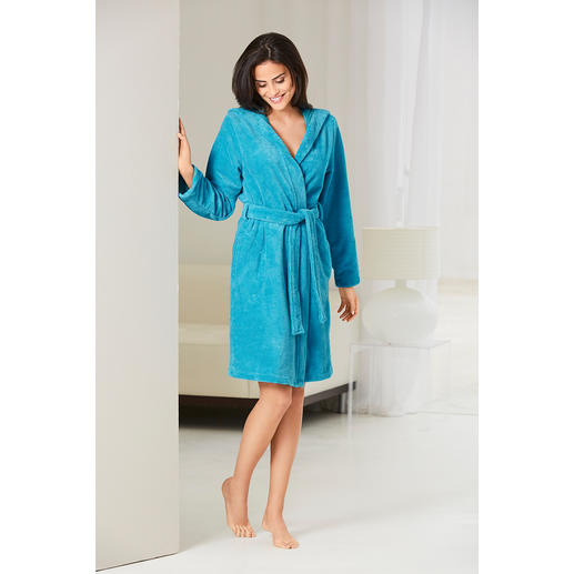 Double-faced Bathrobe Velvety and absorbent – the bathrobe with two good sides.