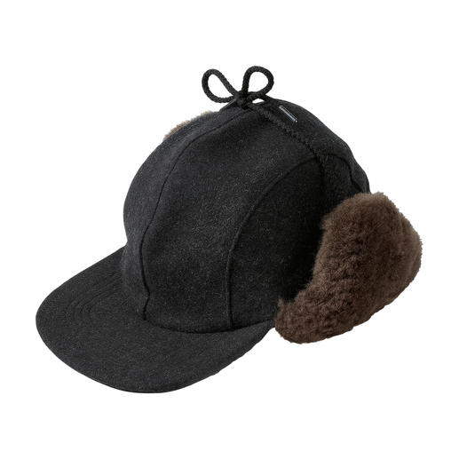 Filson Mackinaw Hat Warmer and more water-repellent than most functional hats. Pure virgin wool and real lambskin. By Filson, USA.