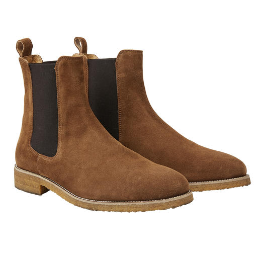 Bobbies Paris Suede Chelsea Winterproof. Triple trendy. And even pleasantly affordable. Suede, Chelsea fit and rubber sole.