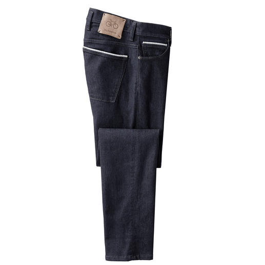 They do exist! Sexy jeans – as comfortable as your sweatpants. They do exist! Sexy jeans – as comfortable as your sweatpants. From the German trousers expert Alberto.