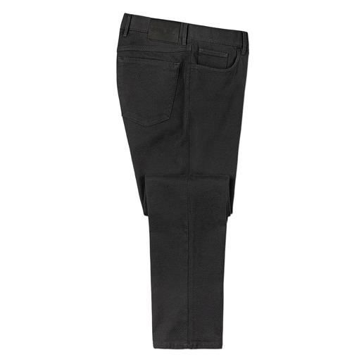 Hiltl Textured Trousers Comfortable like jersey but much stronger and more robust. The slim 5-pocket trousers made of Italian 3D-fabric