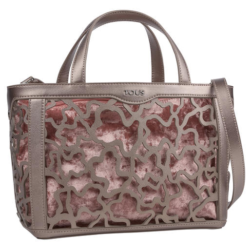 Tous Laser Cut Bag, Nougat/Metallic Metallic trend. Fashionable laser-cut. Adaptable look. The classic from Tous is perfect for the summer of 2019.