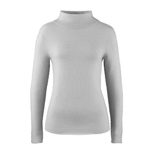 Turtleneck Rib Jumper Trendy rib knit – but extraordinarily fine and feminine. The jumper with trendy turtleneck collar. Gran Sasso.