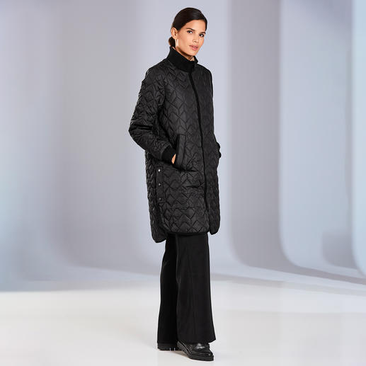 Ilse Jacobsen quilted coat - Danish design elevates the quilted favourite in mid-season. The city-chic quilted coat by Ilse Jacobsen.