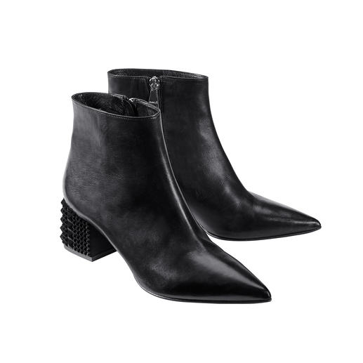 MA&LÒ Ankle Boots Classic ankle boots by MA&LÒ, Italy – in bang on-trend design with textured arty heel with velvet.