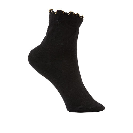 Oroblu Pearl Ankle Socks Premium quality by the hosiery specialists. With ruffle trim and knitted-in pearl beads. By Oroblu.