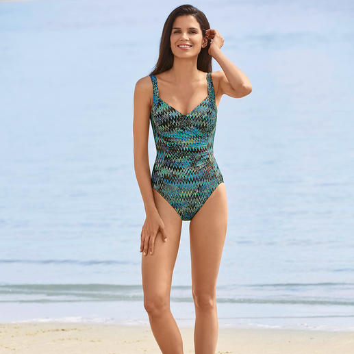 Swimsuit zigzag print with slimming effect - More slimming thanks to 20% Xtralife-Lycra®. Visually flattering thanks to a clever pattern and cut.