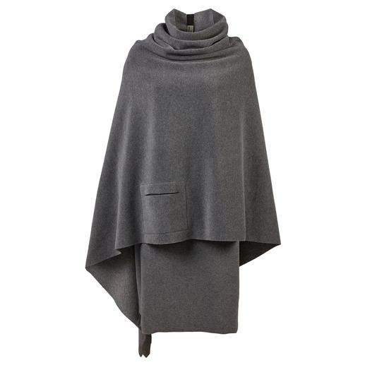 This is how feminine fleece can be. This is how feminine fleece can be. Poncho and skirt by Henriette Steffensen. Scandinavian design.
