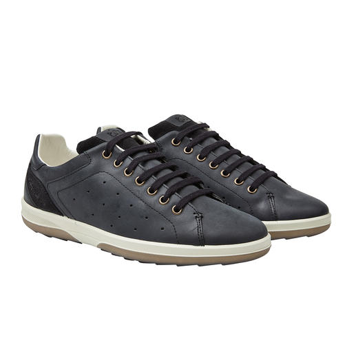 Washable Mens' Leather Trainers Alway looks immaculate: These leather trainers can be washed in the machine. By TBS.