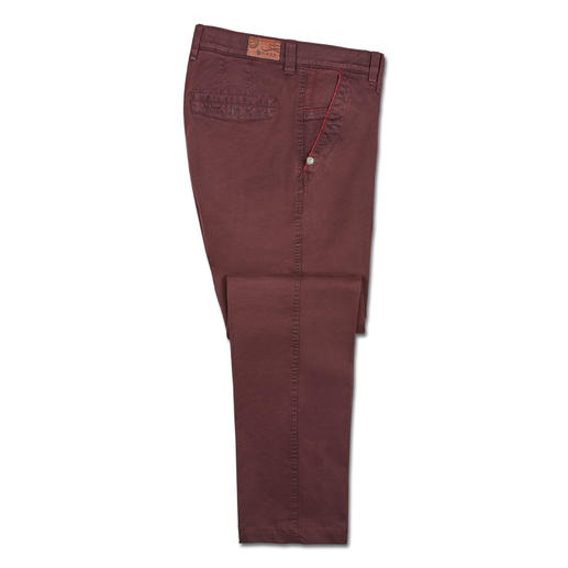 m.e.n.s. Xtend Chino The fashionably slim, extremely comfortable chino trousers: Do not constrict, do not crease. Xtend by m.e.n.s.