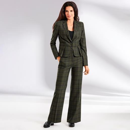 Benbarton Check Suit Blazer or Marlene Trousers Trouser suit. Check pattern. Marlene trousers: 3 classics result in the fashion highlight of today.