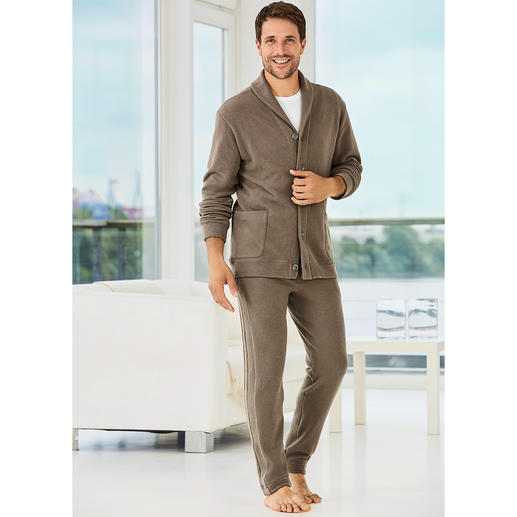 Zimmerli Gentleman's Homesuit The homesuit for gentlemen: Italian jersey. Elegant cut. Stylish details. From Zimmerli.