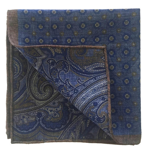 Wonderfully lightweight and equally pretty on both sides. The double print pocket square from German traditional brand Pellens & Loick by 1870.