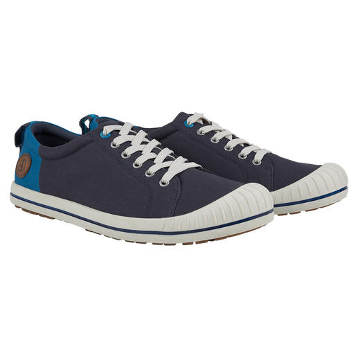 Aigle Men's Canvas Sneakers Distinctive feature: A stylish, simple look and the same high level of comfort. By Aigle.