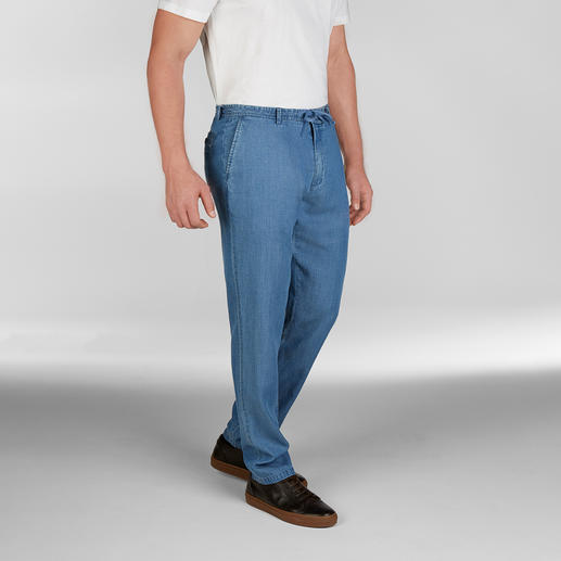 Jeans at 25°C and hotter? No problem with these ones! Summery lightweight Tencel® denim. Airy plain weave. By Hackett London.
