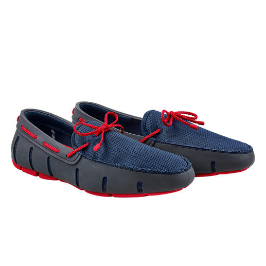 The wet shoes for gentlemen. The wet shoes for gentlemen. As waterproof as swimming shoes. As airy as sandals. As elegant as loafers.