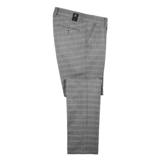 The look of modern cloth trousers – but without their disadvantages. Hardly creases. No expensive cleaning. And not too warm in summer.