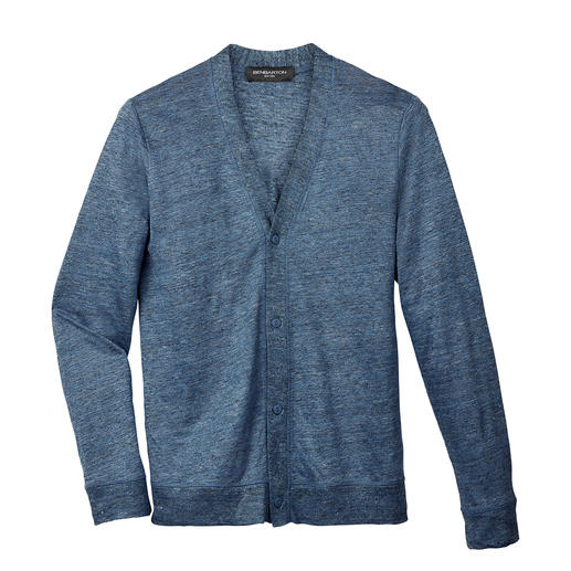Linen Blend Cardigan Fine-knit instead of chunky: The elegant version of the linen cardigan. Also fits under your sports jacket.