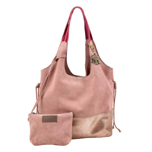 Light and casual. Convenient and easy to combine (at an affordable price)! The city hobo bag in soft suede cow leather – in a trendy rosé tone. From the trend label Anokhi, Munich.