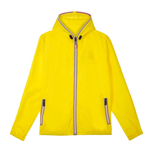 Hunter Women's Windbreaker - Practical. Lightweight. Water-repellent. The trendy pocket windbreaker by Hunter.