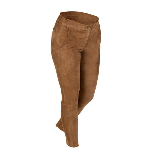 Arma Lamb suede chino Slim and supple like leggings. But laid-back like chinos. The chino made of luxurious suede.