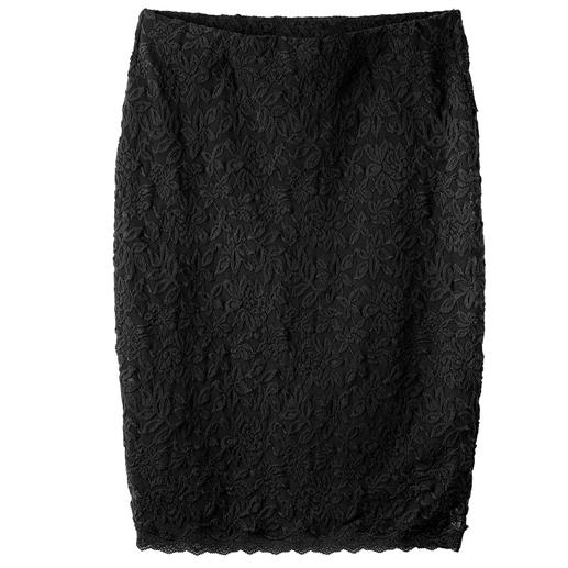 Rosemunde Copenhagen Lace Stretch Skirt - Elegant lace, yet as comfortable as leisurewear. The stretch lace skirt by Rosemunde Copenhagen.