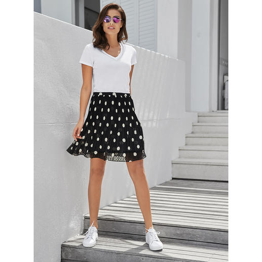 Liu Jo Polka Dot Skirt Twice the dots + permanent pleats = highly fashionable and simple. The polka dot skirt by Liu Jo, Italy.