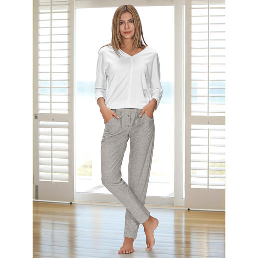 HFor Sweatshirt or Sweat Trousers A wonderfully comfortable, trendy smart look and pleasantly affordable. The loungewear suit from HFor.