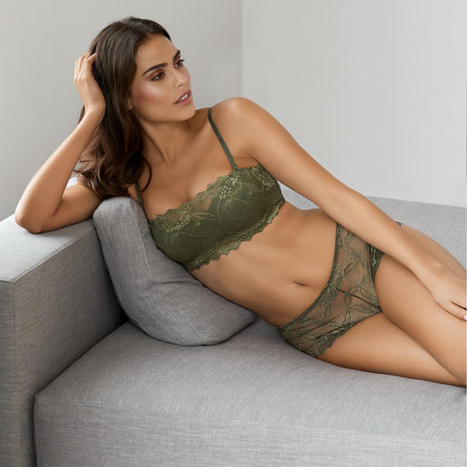 After Eden Bandeau Bra or Boxer Briefs Moulded soft cups & underwiring hidden behind elegant lace.