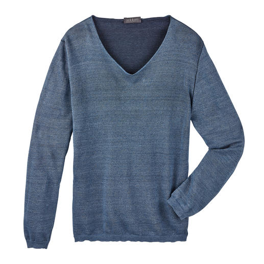This kind of wonderfully lightweight double-faced knitwear is hard to find. Especially made of such high quality material. Grainy cool linen outside, finest Egyptian Giza cotton inside.