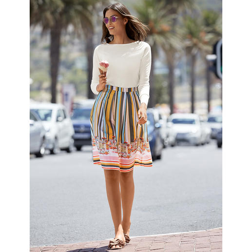 Fashion classics Good Mood skirt The Good Mood skirt with all the fashionable attributes that will define the summer of 2019.