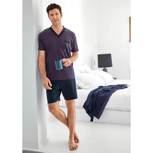 Your favourite pyjamas. Pure cotton, meticulously crafted, made in Germany.