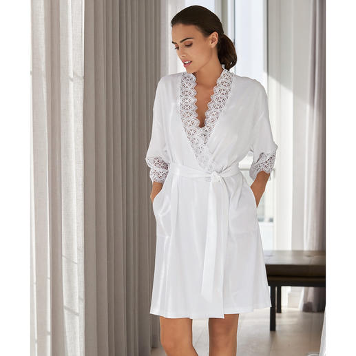 Rösch Lace Kimono - The elegant lace kimono from German nightwear and loungewear specialist Rösch.