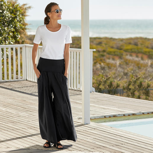 Elisa F. Ibiza Culottes The real Ibiza trousers: Once a classic in the 70s hippie style. Nowadays the star of the wide leg trends.