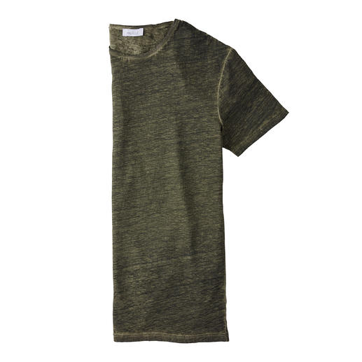 Your natural air conditioning on hot days: The T-shirt made of pure linen. Your natural air conditioning on hot days: The T-shirt made of pure linen. By van Laack.