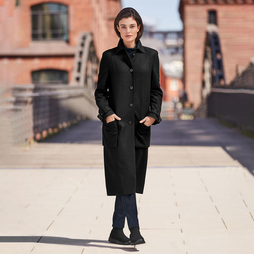 Strenesse classic wool coat - The coat classic from yesterday and for tomorrow. Up to date men's style and midi length. By Strenesse.