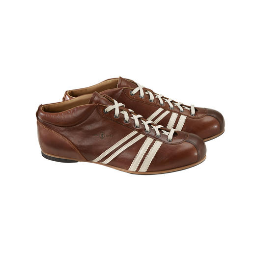 "Original fifties design: The GDR football shoe ""Liga"" by Zeha. Original fifties design: The GDR football shoe ""Liga"" by Zeha."