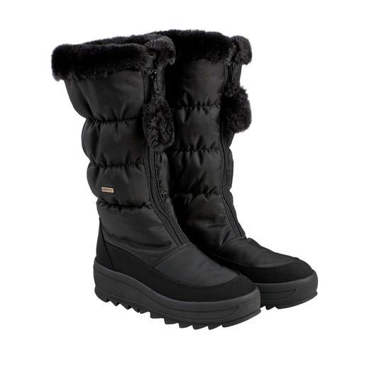 Today après-ski, tomorrow a city stroll: The slim snow boot with high fashion potential. Today après-ski, tomorrow a city stroll: The slim snow boot with high fashion potential.