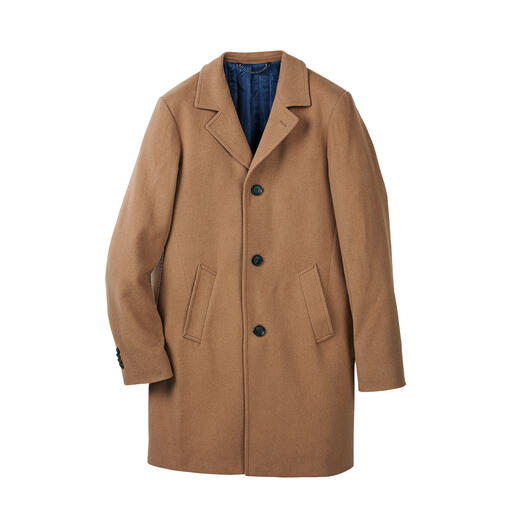 As elegant as a sports jacket. As winter-proof as an outdoor parka. Wonderfully lightweight, yet pleasantly warm coat made of rare camel hair.
