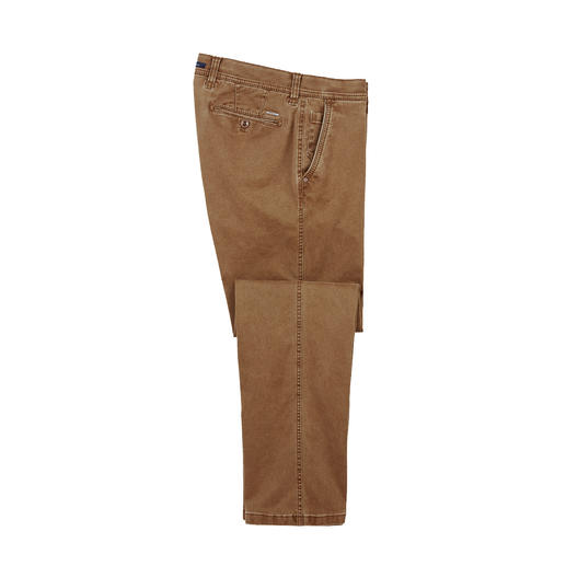 Flex Cotton Chino The fashionably slim, extremely comfortable chino trousers: Do not constrict, do not crease.