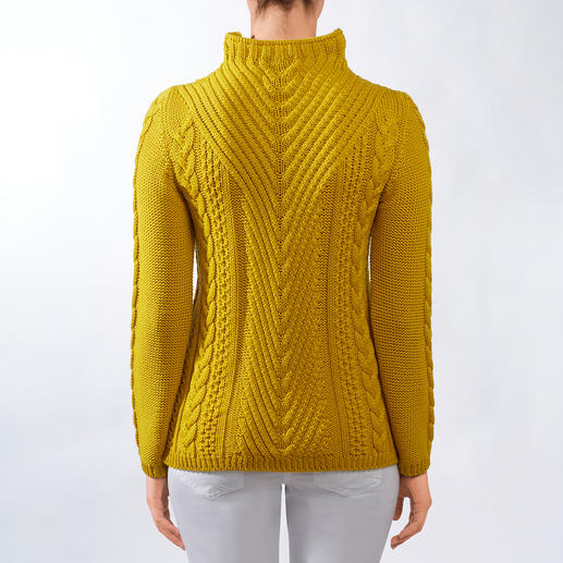 Peregrine Pattern Mix Pullover