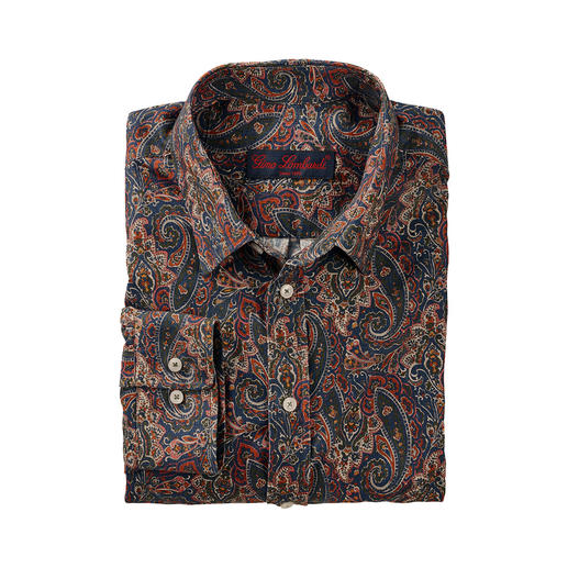 Warming corduroy shirt with classic paisley design. Warming corduroy shirt with classic paisley design. Brand Liberty™ makes the floral trend suitable for winter.