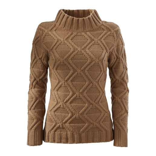 Carbery Diamond Sweater Authentic knitting handicraft from Ireland – traditional and trendy at the same time.  By Carbery.