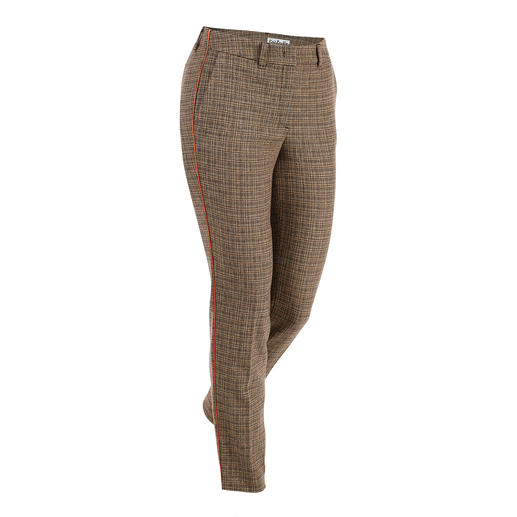 New Check Pants Fashionably pepped up through a new woven structure and orange-coloured braid stripes.