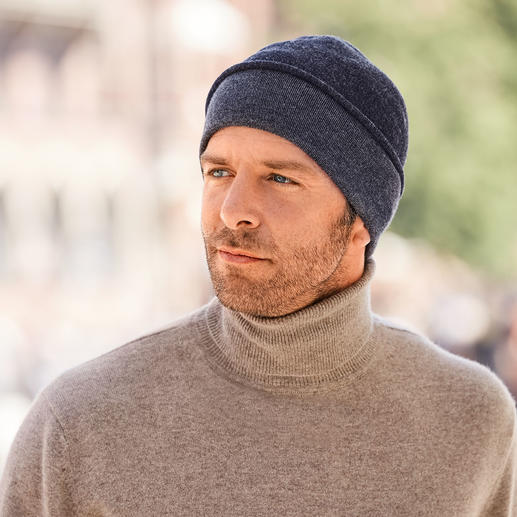 Seldom Seamless Reversible Hat Easy to reverse: Plain blue merino wool or mottled grey Giza cotton. By Seldom.