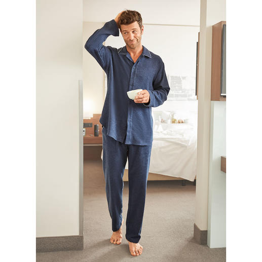 NOVILA Flannel Pyjamas, Men Pyjamas that make a good first impression every morning.