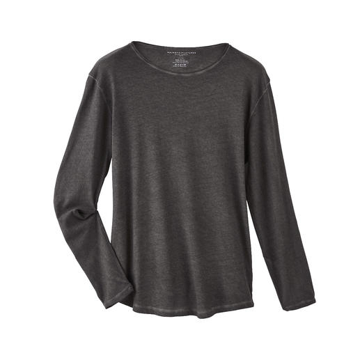 Cashmere Blend Long-sleeve T-shirt Softer and warmer than plain cotton shirts: Chic long-sleeve T-shirt with cashmere.